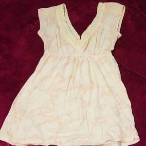 Junior's Abercrombie & Fitch Vneck top cute! XS